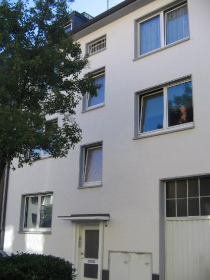 gem tliche 2 zimmer dachgeschosswohnung wohnung in essen innenstadt. Black Bedroom Furniture Sets. Home Design Ideas