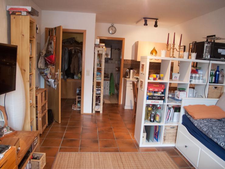 gut gelegene 1 zimmerwohnung 1 zimmer wohnung in w rzburg heuchelhof rottenbauer. Black Bedroom Furniture Sets. Home Design Ideas