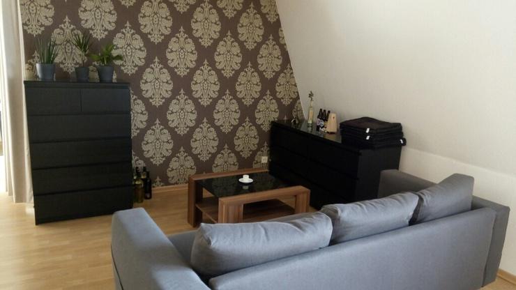 helle einzimmerwohnung in zentraler lage 1 zimmer wohnung in dresden friedrichstadt. Black Bedroom Furniture Sets. Home Design Ideas
