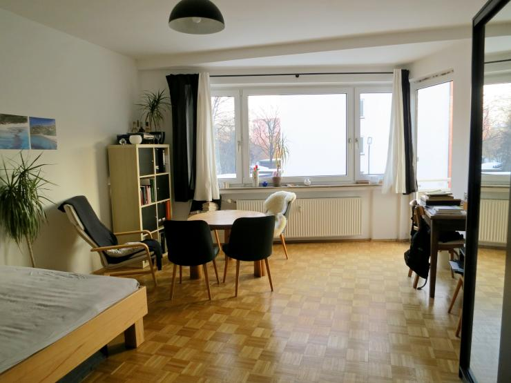 sonniges s dzimmer zur zwischenmiete wohngemeinschaft in m nchen sendling. Black Bedroom Furniture Sets. Home Design Ideas