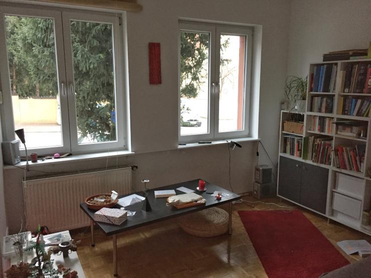 komplette m blierte 45 qm wohnung zu zwischenmiete bis 31 3 1 zimmer wohnung in frankfurt am. Black Bedroom Furniture Sets. Home Design Ideas
