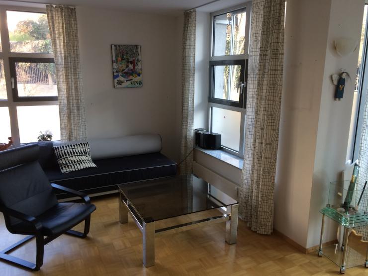 zentrale wohnung in stuttgarts s den wohnung in stuttgart s d. Black Bedroom Furniture Sets. Home Design Ideas
