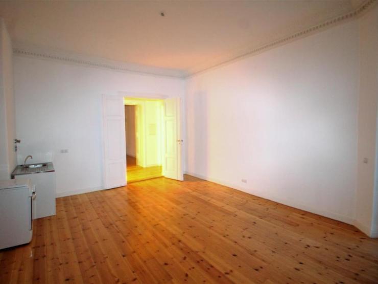 super sch ne 3 zimmer wohnung mit toller wohnk che zu vermieten wohnung in berlin kreuzberg. Black Bedroom Furniture Sets. Home Design Ideas