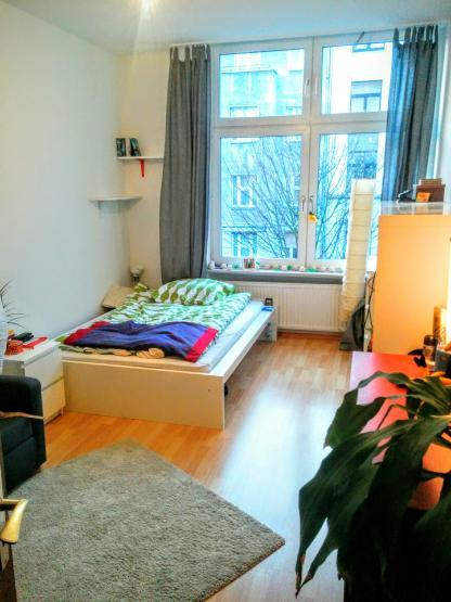 m bliertes 15qm zimmer zur zwischenmiete besonderheit mega nette mitbewohnerin. Black Bedroom Furniture Sets. Home Design Ideas