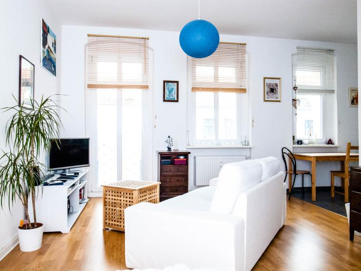helles 1 zimmer wohnung in der sch nen weserstr 1 zimmer wohnung in berlin neuk lln. Black Bedroom Furniture Sets. Home Design Ideas