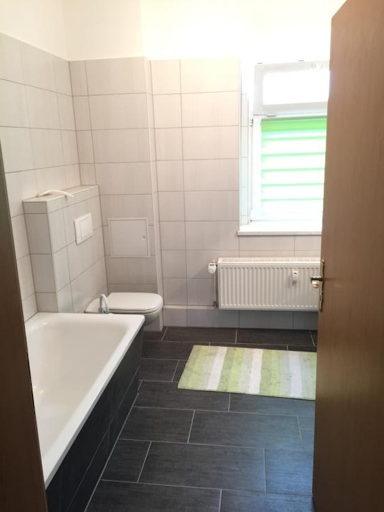 2 zimmerwohnung mit einbauk che 56qm wohnung in halle. Black Bedroom Furniture Sets. Home Design Ideas