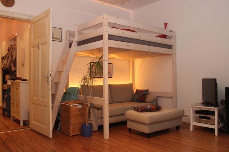 gro z giges wg zimmer in super zentraler lage wgs l beck innenstadt. Black Bedroom Furniture Sets. Home Design Ideas