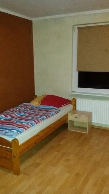 zimmer frei kurzfristig unterk nfte in hannover 1 zimmer wohnung in hannover langenhagen. Black Bedroom Furniture Sets. Home Design Ideas