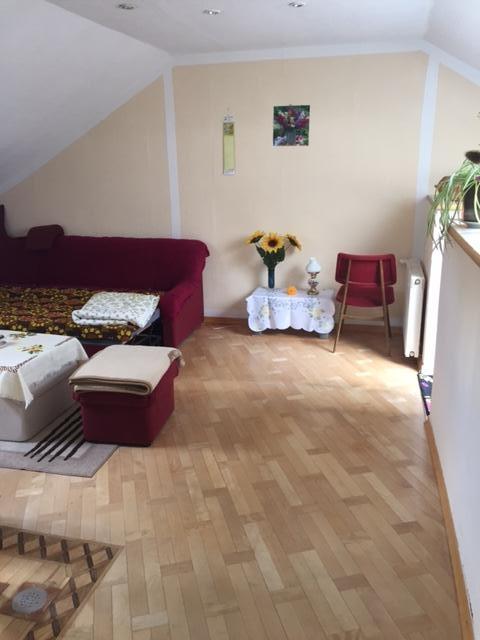 ger umige 3 zimmer maisonette wohnung in zentraler lage. Black Bedroom Furniture Sets. Home Design Ideas