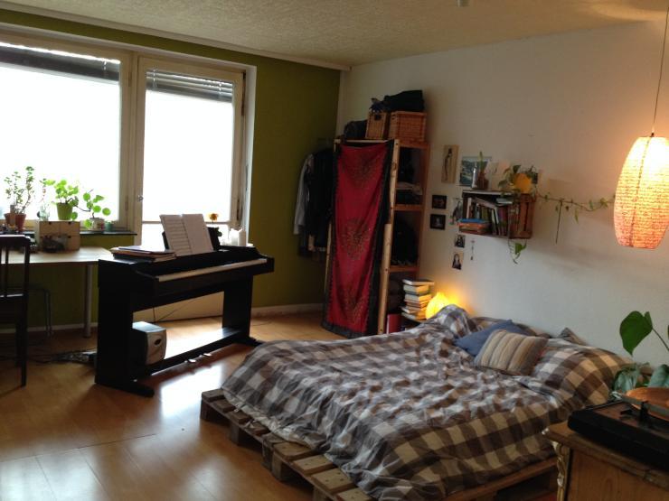 sonniges zimmer f r 3 wochen zu vergeben wohngemeinschaft w rzburg zellerau. Black Bedroom Furniture Sets. Home Design Ideas