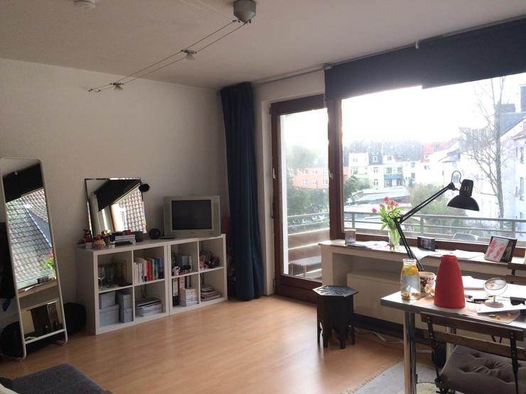 lichtdurchflutete ruhige 1 5 zimmerwohnung in bester lage. Black Bedroom Furniture Sets. Home Design Ideas