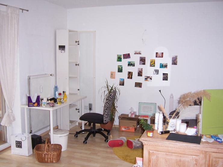 sch nes m bliertes 20 qm zimmer wintergarten garten in 3er. Black Bedroom Furniture Sets. Home Design Ideas