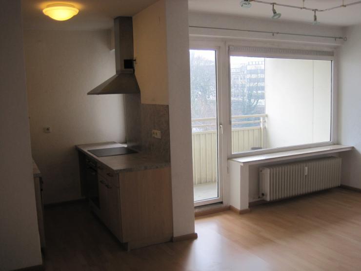 zentrale 1 5 zimmerwohnung in bremen bahnhofsvorstadt mit loggia 1 zimmer wohnung in bremen. Black Bedroom Furniture Sets. Home Design Ideas
