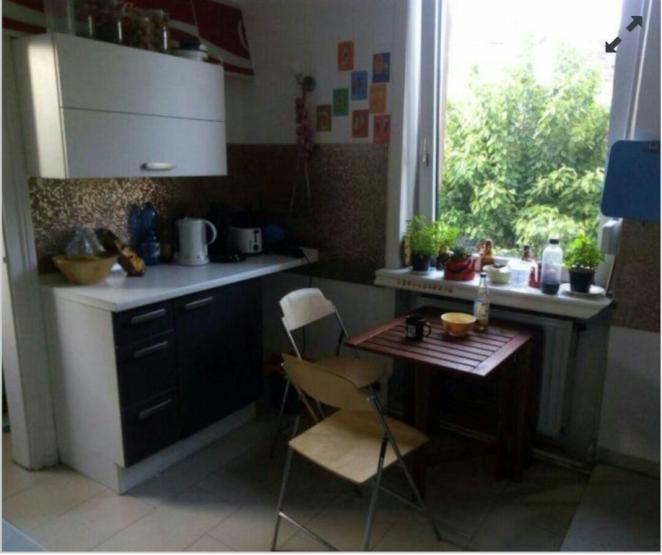 sch nes 16qm altbau zimmer in 3er wg wohngemeinschaften in frankfurt am main bergen enkheim. Black Bedroom Furniture Sets. Home Design Ideas