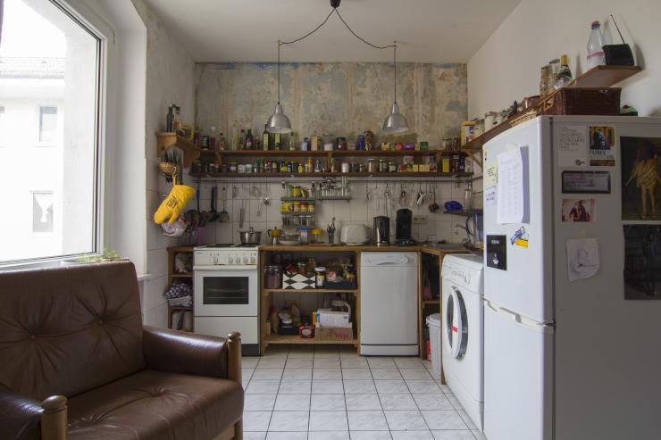 sonnige 3 zimmer wohnung im wrangelkiez bevorzugt gegen tausch wohnung in berlin kreuzberg. Black Bedroom Furniture Sets. Home Design Ideas