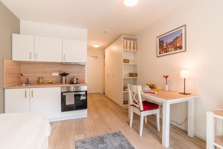 1 zimmer wohnung m bliert top lage von privat 1 zimmer wohnung in hamburg neustadt. Black Bedroom Furniture Sets. Home Design Ideas