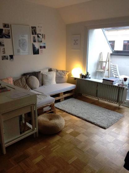 balkonwohnung im belgischen viertel 1 zimmer wohnung in. Black Bedroom Furniture Sets. Home Design Ideas