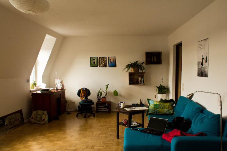 helle 1 zimmer wohnung ber den d chern der neustadt 1 zimmer wohnung in dresden neustadt. Black Bedroom Furniture Sets. Home Design Ideas