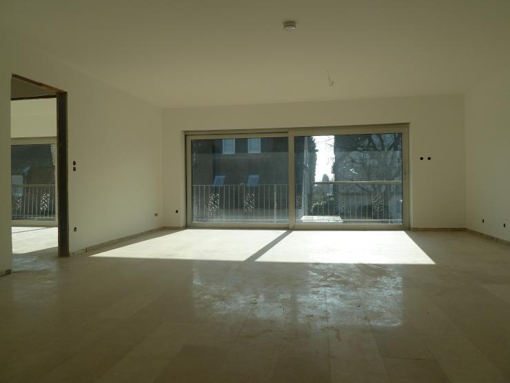 lichtdurchflutete 4 zimmer wohnung in ruhiger lage wohnung in frankfurt am main nieder eschbach. Black Bedroom Furniture Sets. Home Design Ideas
