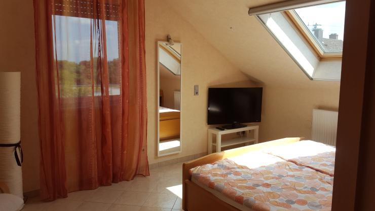 wundersch ne helle 5 zimmer wohnung in frankfurt als wg f r 4 personen mit klimaanlage und. Black Bedroom Furniture Sets. Home Design Ideas