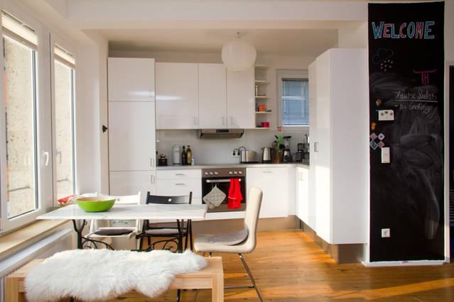 charmante 2 zimmer wohnung in k ln altstadt neustadt. Black Bedroom Furniture Sets. Home Design Ideas