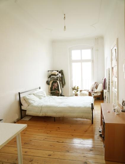 zimmer mit balkon in 3er wg wg berlin prenzlauer berg. Black Bedroom Furniture Sets. Home Design Ideas