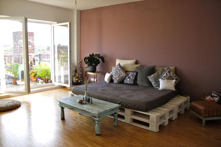helles luftiges zimmer in neuer dachgeschoss wohnung m blierte wg berlin neuk lln. Black Bedroom Furniture Sets. Home Design Ideas