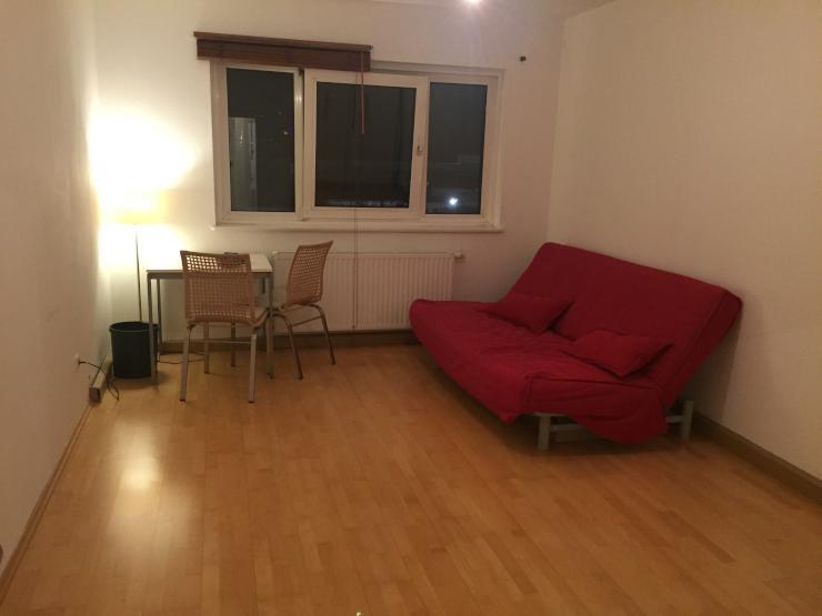 sehr sch ne 2 zimmer wohnung in neuhausen zur zwischenmiete wohnung in m nchen neuhausen. Black Bedroom Furniture Sets. Home Design Ideas