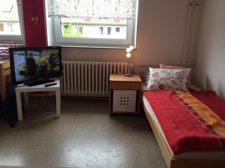gepflegtes appartement sucht zwischenmieterin 1 zimmer wohnung in mannheim neckarstadt. Black Bedroom Furniture Sets. Home Design Ideas