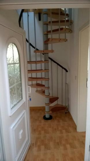 sch nes haus zur miete 2 zkb auf 2 etagen studenten wg haus in wilhelmshaven neuende. Black Bedroom Furniture Sets. Home Design Ideas