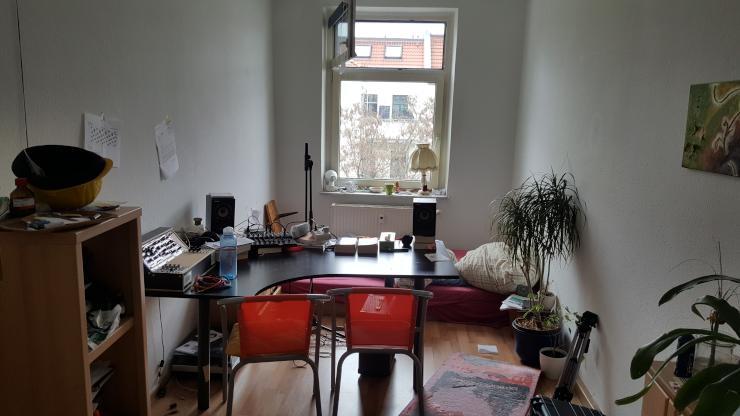 15qm zimmer in netter 3er wg zentral mit guter bahnverbindung wg zimmer leipzig neustadt. Black Bedroom Furniture Sets. Home Design Ideas