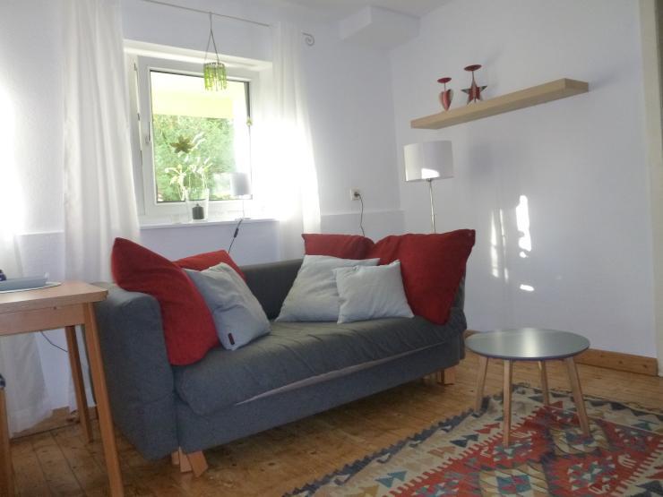 f r 1 person ruhige m blierte 2 zimmer wohnung k ln s lz. Black Bedroom Furniture Sets. Home Design Ideas