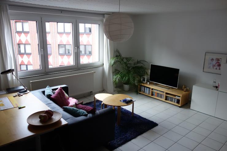 sch ne 2 zimmer wohnung wohnung in k ln altstadt s d. Black Bedroom Furniture Sets. Home Design Ideas