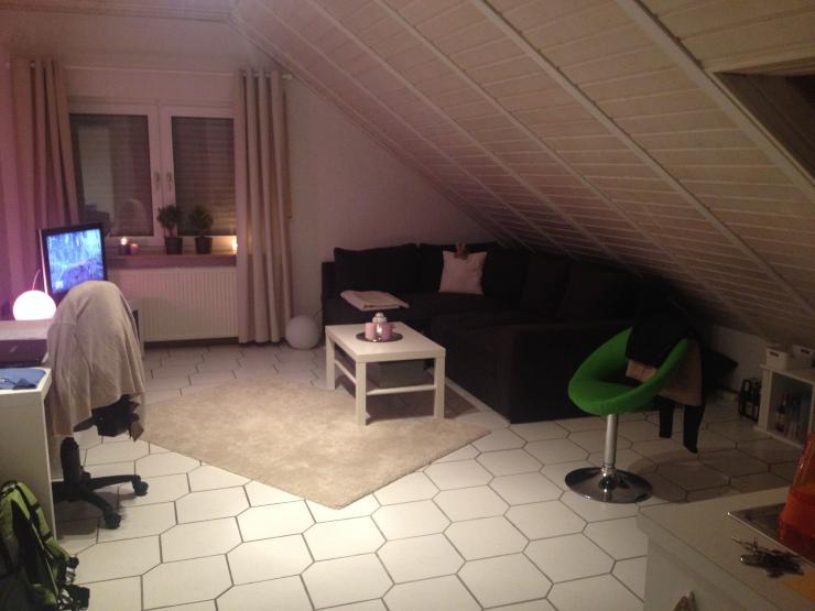 helle preiswerte 1 zimmer wohnung 1 zimmer wohnung in kassel oberzwehren. Black Bedroom Furniture Sets. Home Design Ideas