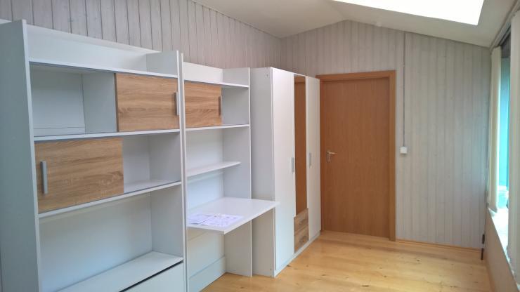 frisch renoviert neue fenster neue m bel nk inklusive mit garten grillplatz. Black Bedroom Furniture Sets. Home Design Ideas