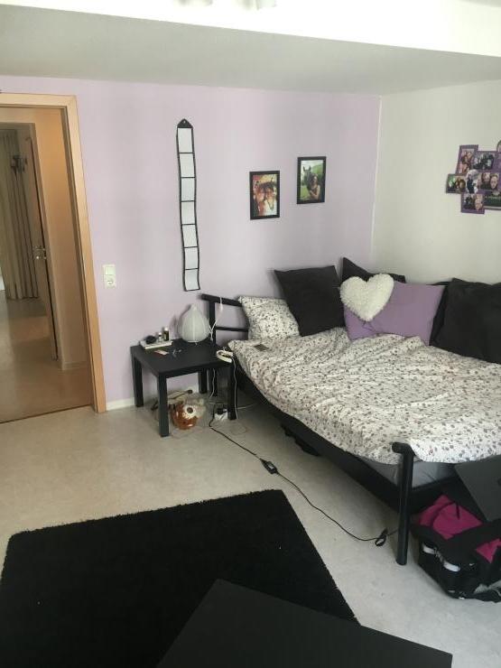 sch ne 3 zimmer altstadtwohnung ideal f r polizeistudenten wg geeignet wohnung in hann m nden. Black Bedroom Furniture Sets. Home Design Ideas