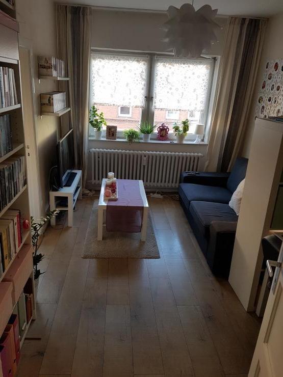 sch ne 2 zimmer wohnung in zentraler lage wohnung in kiel schreventeich. Black Bedroom Furniture Sets. Home Design Ideas