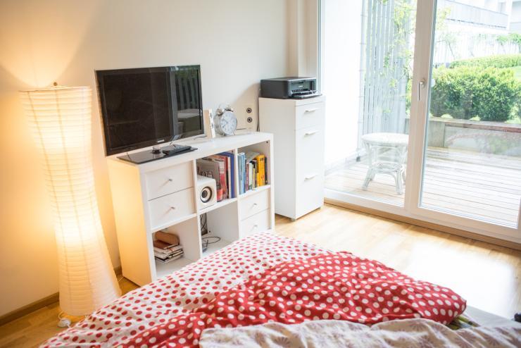 tausche swop only 1 zimmer wohnung mit terrasse in. Black Bedroom Furniture Sets. Home Design Ideas
