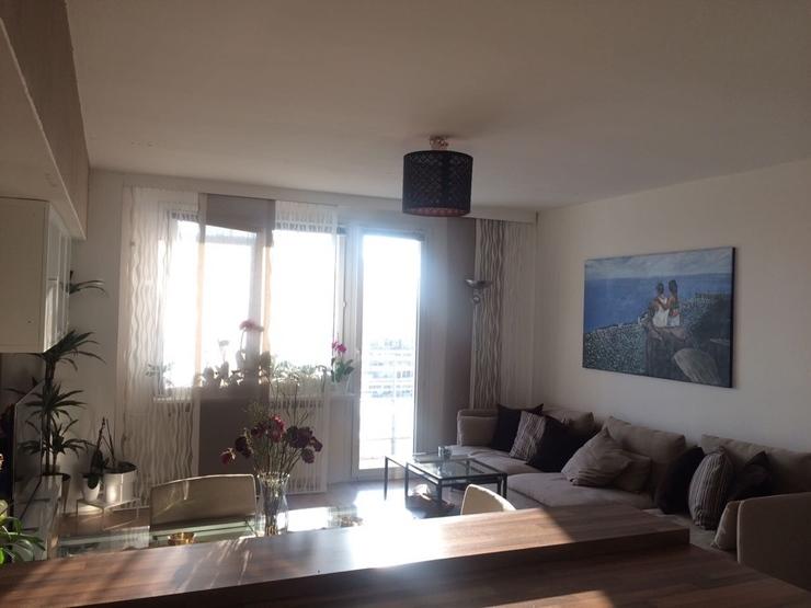 zentrale und m blierte 3 zimmer wohnung in berlin mitte mit panorama blick wohnung in berlin mitte. Black Bedroom Furniture Sets. Home Design Ideas