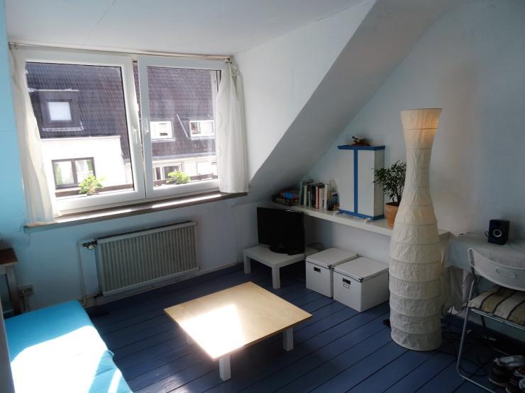 gem tliche helle dachgeschosswohnung in s lz wohnung in. Black Bedroom Furniture Sets. Home Design Ideas