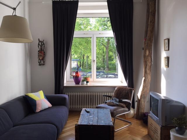 m bilierte altbauwohung zur zwischenmiete f r ein knappes jahr sehr zentral an der isar. Black Bedroom Furniture Sets. Home Design Ideas