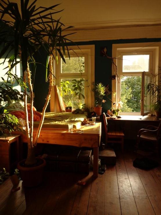 sonniges zimmer im herzen der stadt wohngemeinschaften hamburg m bliert hamburg rotherbaum. Black Bedroom Furniture Sets. Home Design Ideas