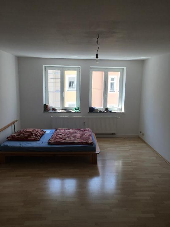 wg zimmer in maxvorstadt in super lage n he josephsplatz wgzimmer m nchen maxvorstadt. Black Bedroom Furniture Sets. Home Design Ideas