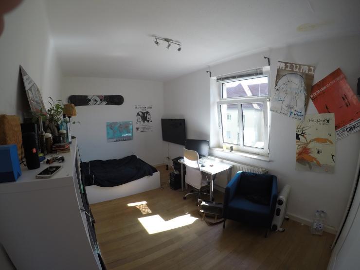 2 wg zimmer zu vergeben in netter 4er wg wohngemeinschaften regensburg m bliert regensburg. Black Bedroom Furniture Sets. Home Design Ideas