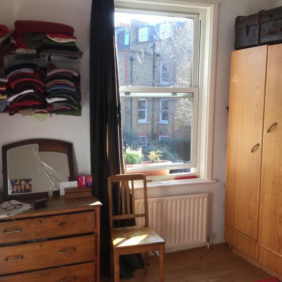 helle wohnung im ersten stock victorian house ruhige lage aber zentral wohnung in london. Black Bedroom Furniture Sets. Home Design Ideas