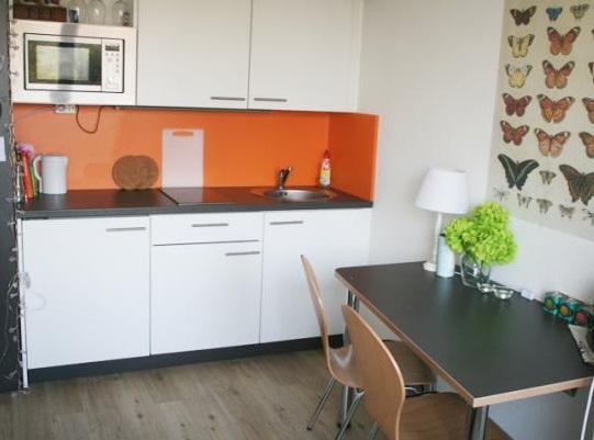 sch ne 2 zimmer wohnung auf dem uni campus wohnung in bremen altstadt. Black Bedroom Furniture Sets. Home Design Ideas