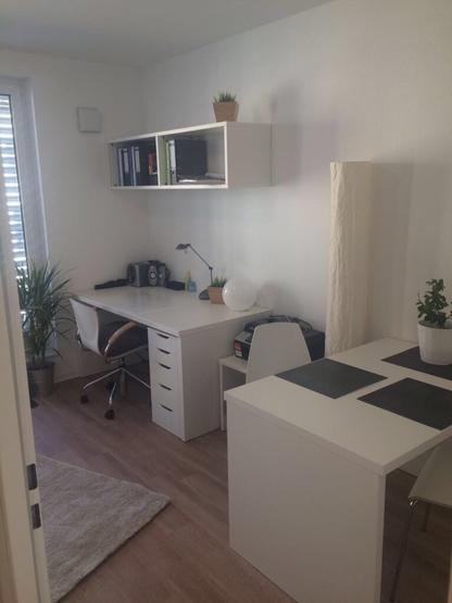 sch nes einzimmerappartement mit balkon direkt bei der uni. Black Bedroom Furniture Sets. Home Design Ideas