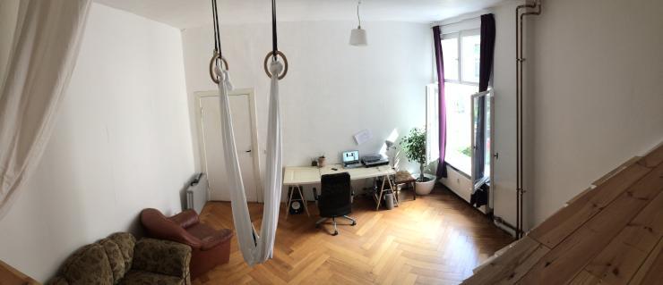 riesiges zimmer in kreuzberg schlesisches tor zur untermiete wg zimmer in berlin kreuzberg. Black Bedroom Furniture Sets. Home Design Ideas