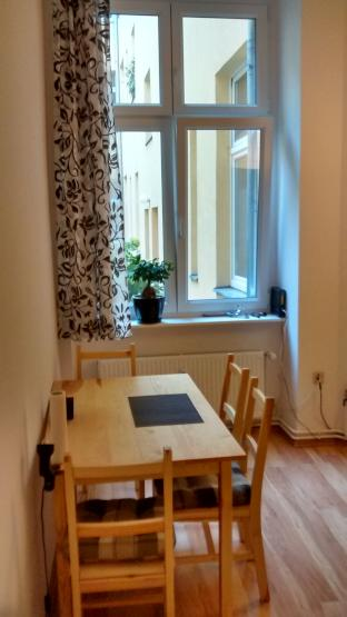 cozy apartment in prenzlauer berg for 2 weeks 18days 300e 1 zimmer wohnung in berlin. Black Bedroom Furniture Sets. Home Design Ideas