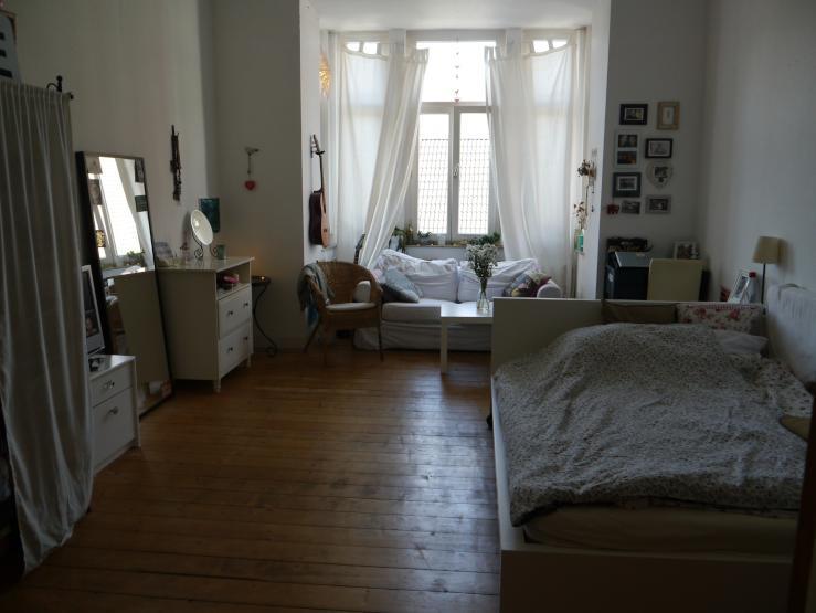 sch nes zimmer in hannover linden zur zwischenmiete max 6 monate wg zimmer in hannover linden. Black Bedroom Furniture Sets. Home Design Ideas
